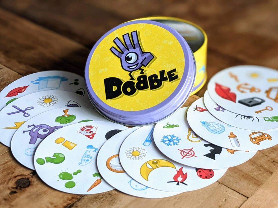 Dobble Review Spiel